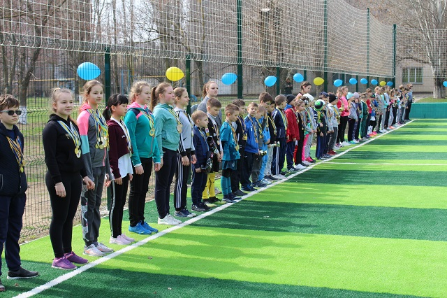 У школі №24 відкрили спортивний майданчик